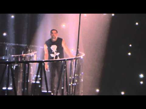Drake performing 305 To My City on the platform at Manchester Phones 4U arena