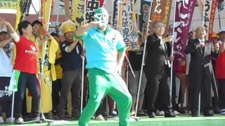 おなじみトリオ☆ザ☆ポンチョスが歌う「B-1グランプリのテーマ」に乱入者...