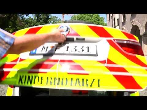 Kindernotarzt in München mit neuem BMW auf Einsatzfahrt