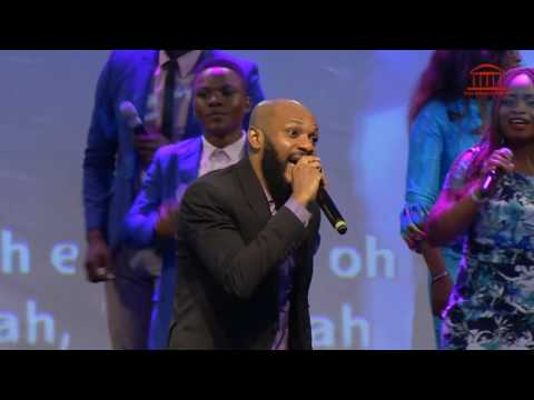 Paul Chisom performing 'Halle' with LCGC One Music