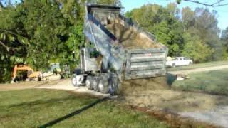 Dump truck Spreading Stone