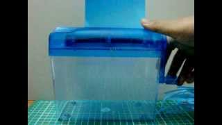 How to use a mini paper shredder
