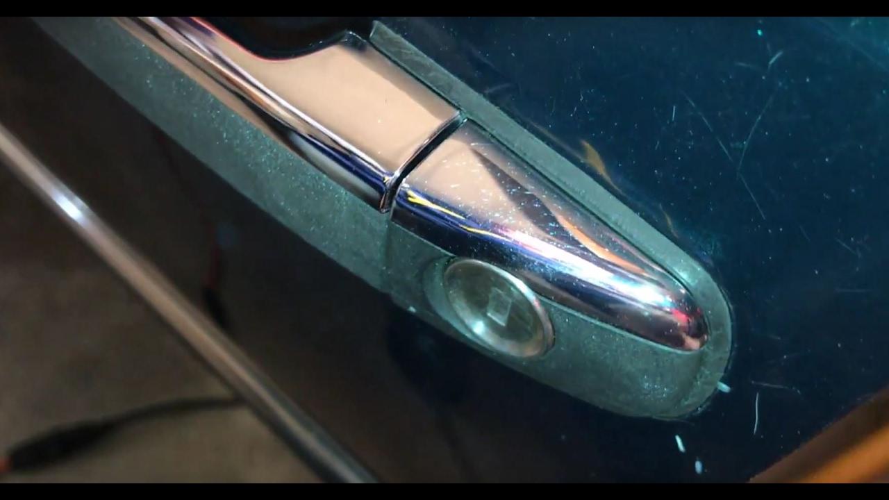 How to repair door lock broken cylinder guide spindle for Mercedes benz door lock problem