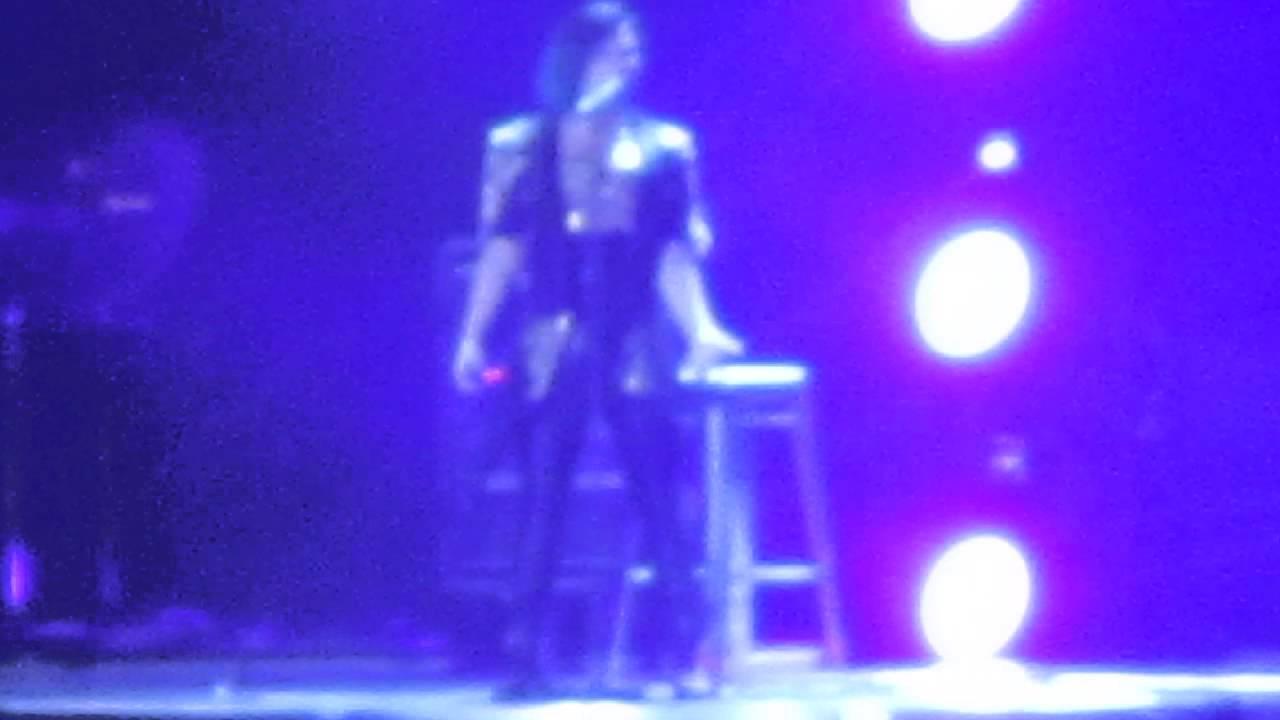 Download Demi Lovato - Nightingale (Live Paris 21.11.2014)