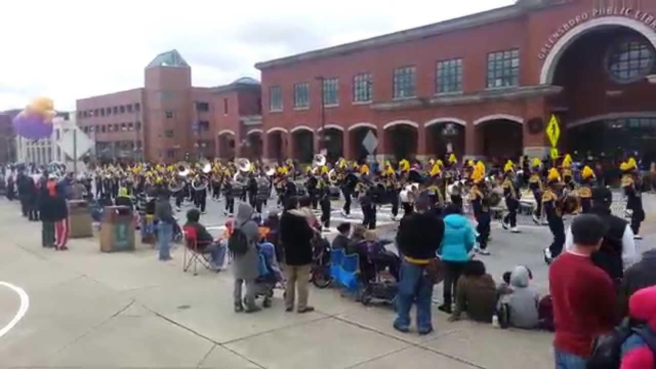 Greensboro Christmas parade 2013 - YouTube
