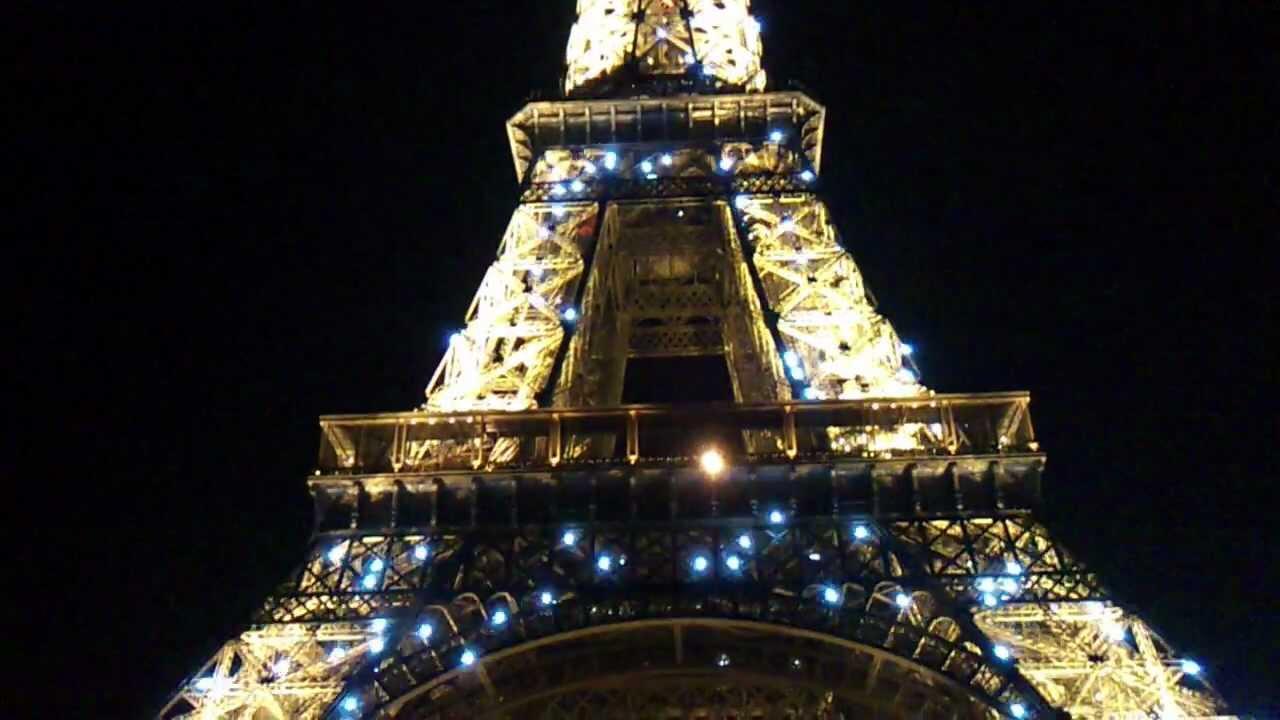 eiffel tower blinking lights at night youtube