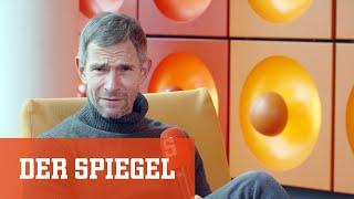 Micky Beisenherz bei DER SPIEGEL FRAGT: Über Dieter Nuhr, das Dschungelcamp und die Comedy-Szene