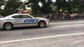 NYPD & UNITED STATES SECRET SERVICE ESCORTING POPE FRANCIS FROM HIS PROCESSION AT CENTRAL PARK, NYC.
