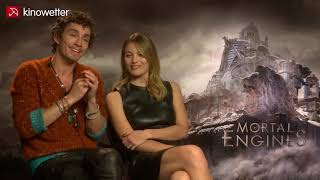 Interview Robert Sheehan & Leila George | MORTAL ENGINES