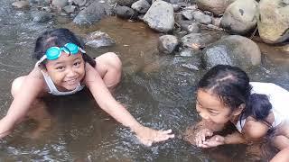 Download lagu Lasya dan teman teman mandi di kali banjaran part 1 MP3