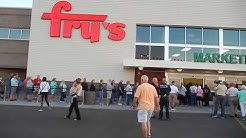 Opening day for new Fry's in Apache Junction