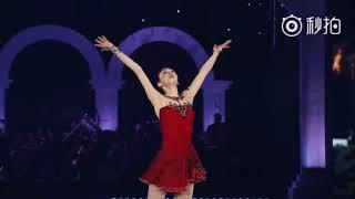 金妍儿退役演出《今夜无人入睡》,作为韩国最著名的花样滑冰冠军选手,这段表演非常能展现她的实力,太美了!