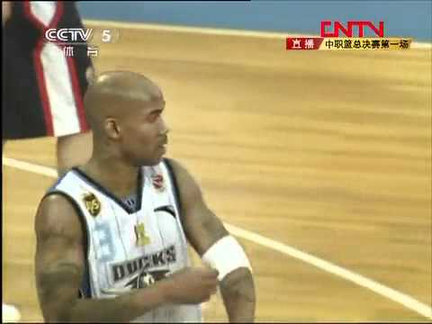Stephon Marbury and Aaron Brooks almost fight in China