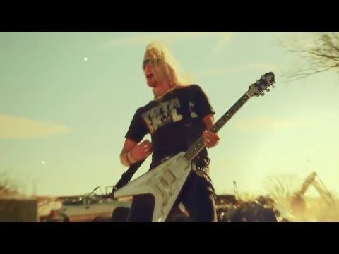 Black Stone Cherry - White Trash Millionaire [OFFICIAL VIDEO]