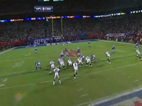 Super Bowl XLIV 2010 - New Orleans Saints running back Reggie Bush (25) attacks Chain Crew