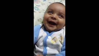Video Baby's Cutest Reaction ever on Mom Singing. download MP3, 3GP, MP4, WEBM, AVI, FLV April 2018