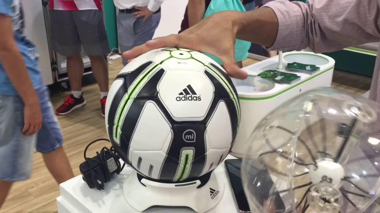 Tecnología Cuadrante Dispuesto  Adidas Smart Ball, el balón inteligente que todo futbolista necesita -  YouTube