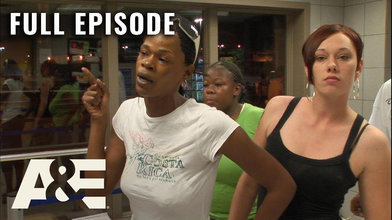 Frustrated Woman Defends her Friend | Parking Wars | Full Episode (S1, E9) | A&E