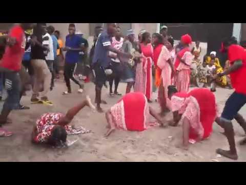 Baikoko Dance Mtoto Amepagawisha Vijana Youtube