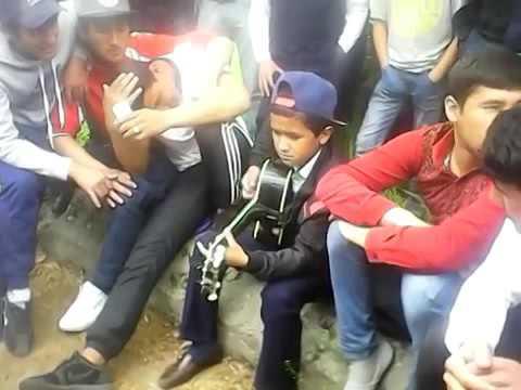 Талантливый таджик, мальчик поет классно, Сагирачаи Кулоби