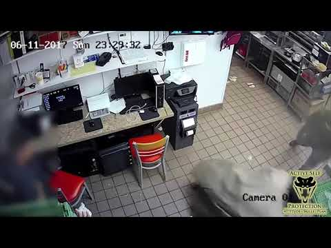 Houston Restaurant Employees Surprised By Robbers | Active Self Protection