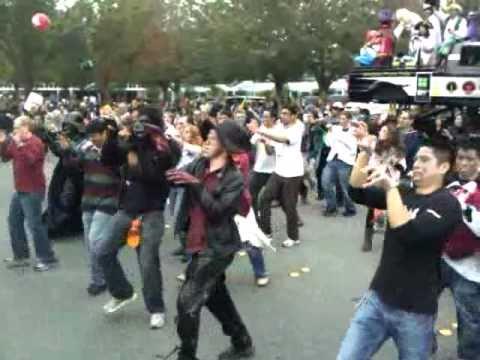 Windows Phone 7 Team Thriller Dance