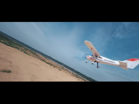 Фото FPV Drone Kejar Kapal Terbang & CRASH! — Mid Air Collision