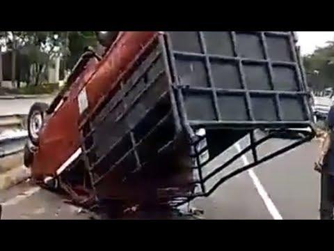 Laka Maut Pick Up Angkut Santri Pesantern Tewaskan 3 Orang, 20 Penumpang Lain Luka Berat Mp3