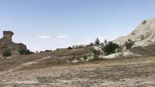 Kapadokya Göreme Milli Parkı vadi içi manzaralar araç yolu sonu