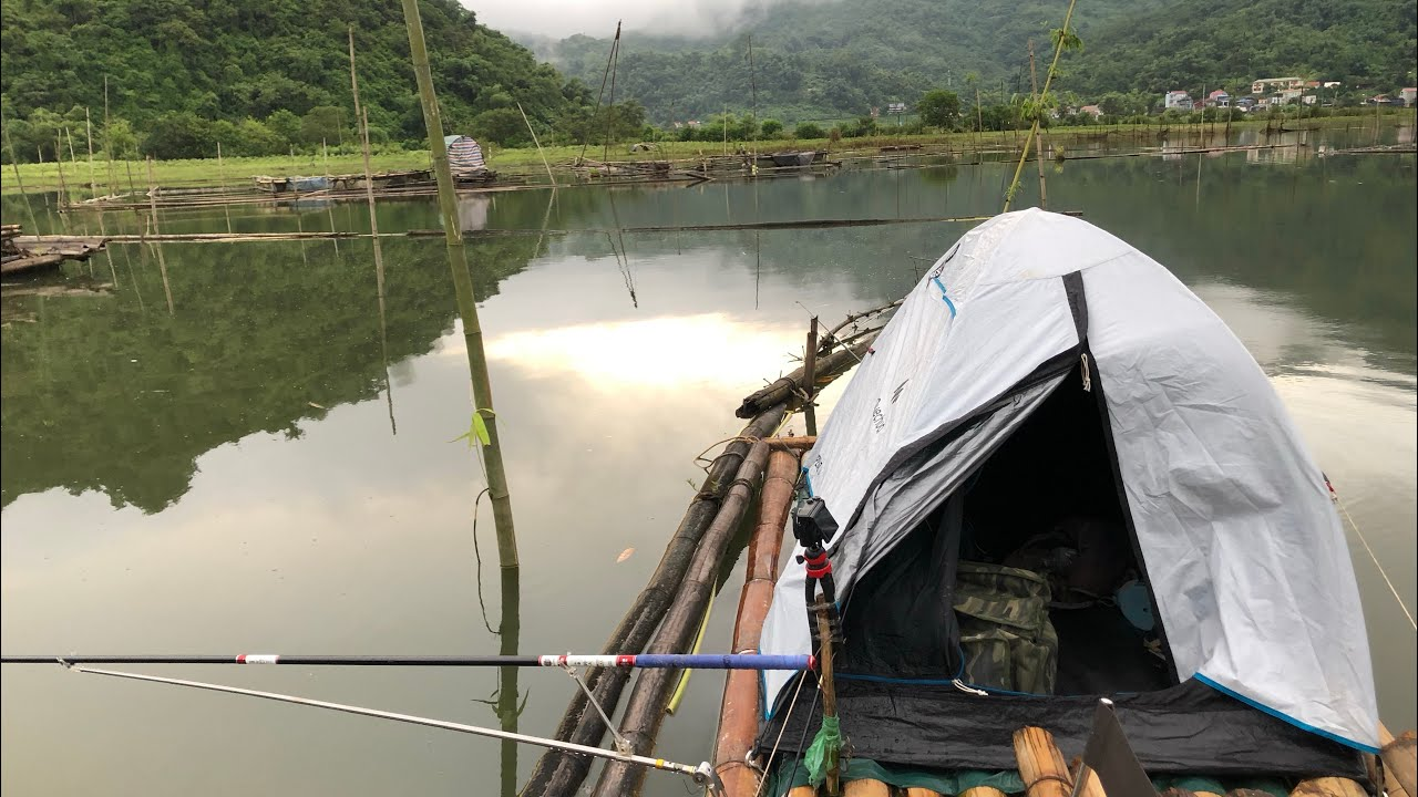 Dựng Lều Trên Bè Một Mình Câu Đêm Giữa Hồ