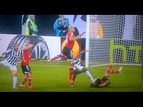 Paul Pogba hits Ezequiel Garay with a overhead kick! (PAINFUL)