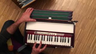 "Harmonium Sound Lesson ""Learn how to hold a drone"" with Petros"