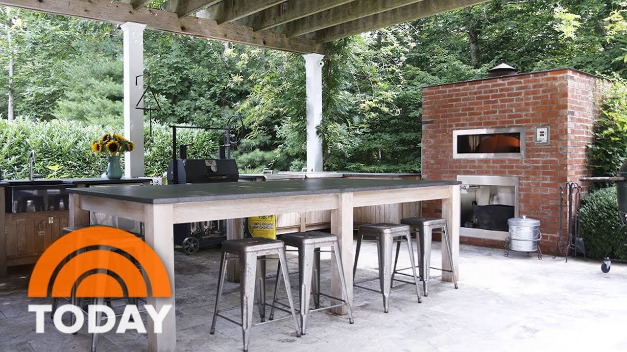 Elegant Bobby Flay Reveals His Favorite Room: His Outdoor Kitchen | TODAY Part 4