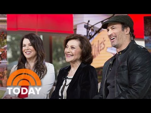 'Gilmore Girls' Cast Talks Revival, Last 4 Words, Alexis Bledel Phones In  TODAY