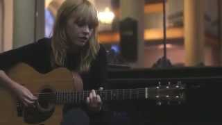 Lucy Rose - Middle of the Bed (Acoustic Version)