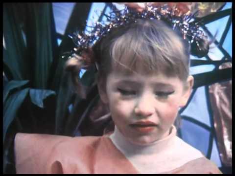 Isild Le Besco 1987 by Gérard Courant  Cinématon 995
