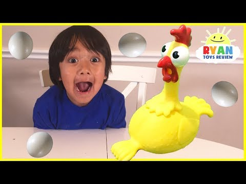 Видео, Squawk Chicken Egg Game for kids and Kinder Surprise toys for winner