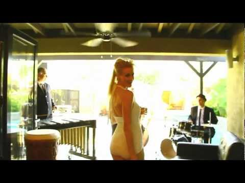 Mad Men Song - Zou Bisou Bisou - Martini Kings featuring Kate Campbell