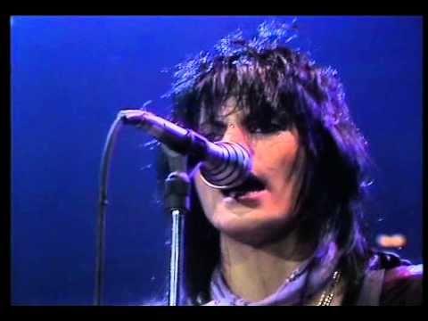 Joan Jett And The Blackhearts 04. I Love Rock'n'Roll [LIVE 1982]