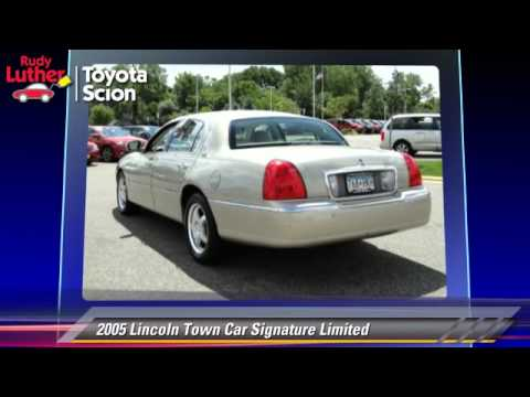 used 2005 lincoln town car signature limited golden valley minneapolis bloomington mn youtube. Black Bedroom Furniture Sets. Home Design Ideas