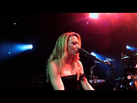 ANNA ERIKSSON MANA LIVE 29.4.2012