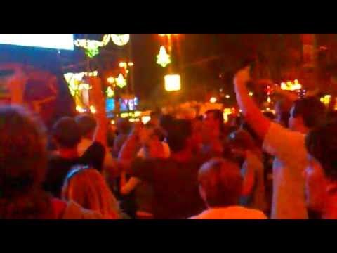 Песня Somebody To Love (30.06.2012) - Queen  Adam Lambert скачать mp3 и слушать онлайн