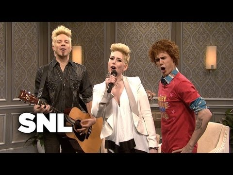 The Miley Cyrus Show: Fan Club - SNL