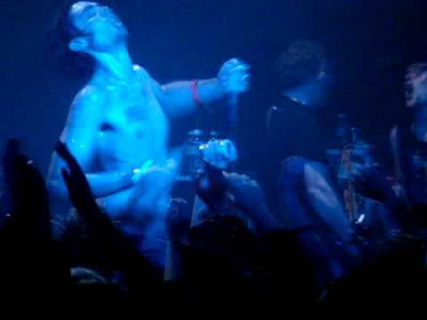 The All American Rejects sing Breakin' at the Roxy on 12/15/09 mp3
