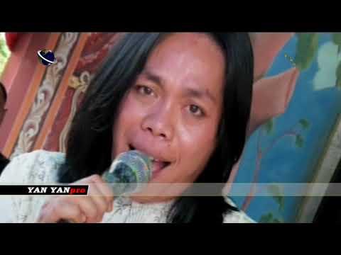 Wow!! Bersemangat sekali pria ini menyanyikan lagu Pengobat Rindu _EKa Batara