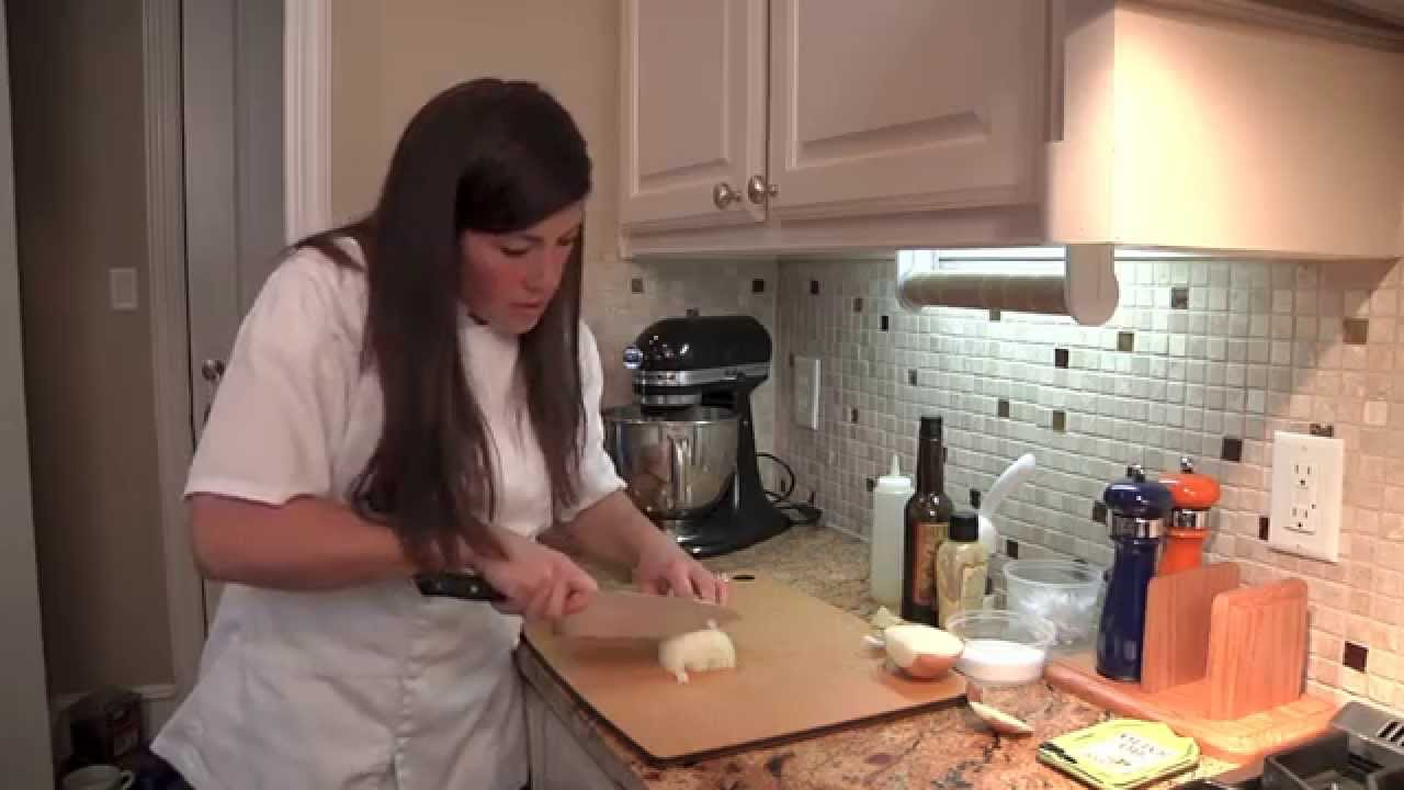 how to chop an onion knife techniques chef becka brown youtube. Black Bedroom Furniture Sets. Home Design Ideas