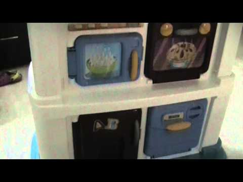 Momsters Review - Grow With Me Kitchen By Fisher Price