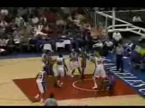 Earl Boykins dunk