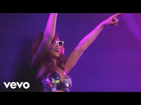 Thumbnail: Rihanna - Cheers (Drink To That)