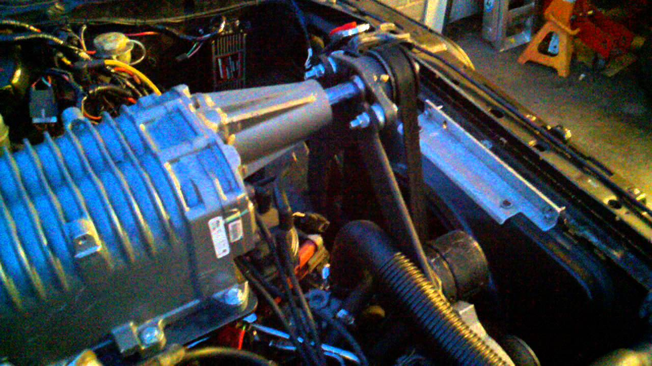 Eaton M112 Cobra Supercharger on 1990 5 0 Mustang Hatchback running with  adjusted pulley spacing 3gp